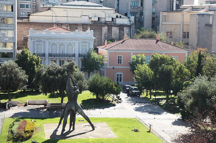 ΜΟΥΣΕΙΟ ΤΗΣ ΠΟΛΗΣ ΤΩΝ ΑΘΗΝΩΝΤο Μουσείο της Πόλης των Αθηνών, στεγασμένο σε δύο ιστορικά κτίρια: το πρώτο, σχεδιασμένο την περίοδο 1833-1834 από τους G. Lueders και J. Hoffman και το δεύτερο, σχεδιασμένο το 1859 από τον Γ. Μεταξά και το 1916 από τον Α. Χέλμη.