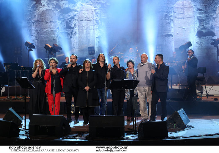 Ζουγανέλη, Νέγκα, Μακεδόνας, Αλεξίου, Κότσιρας, Μπάσης, Βελεσιώτου, Παπαδόπουλος επί σκηνής