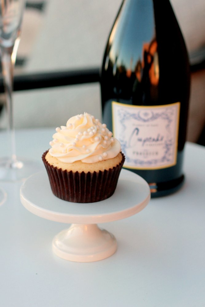 Image result for champagne cupcakes
