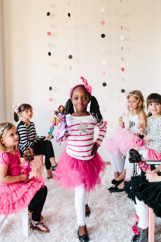 Girl With Balloons Wallpaper Festa Da Barbie Personalizada Dicas Pra Mam 227 E