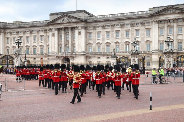 Buckingham Palace is one of the places to visit in London, places for visit in london