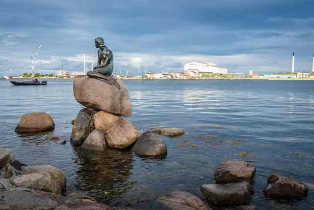 The Little Mermaid statue by the waterfront in Copenhagen. One of the free things to do in Copenhagen. copenhagen things to do