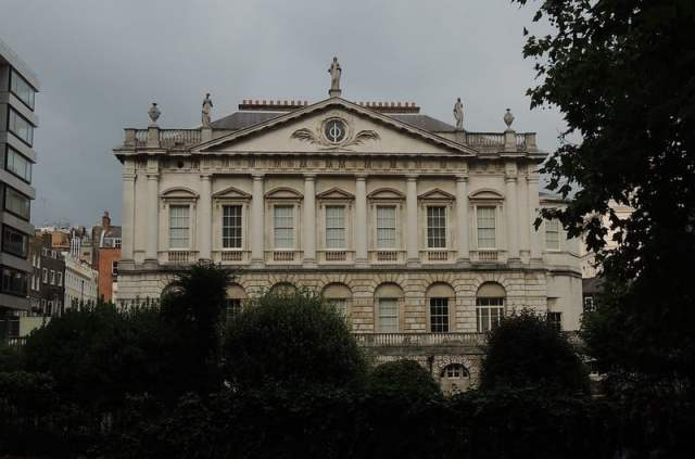Spencer house represents famous london architecture, london buildings famous, best london architecture