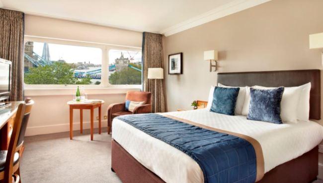 standard-double-room-with-bridge-view-4
