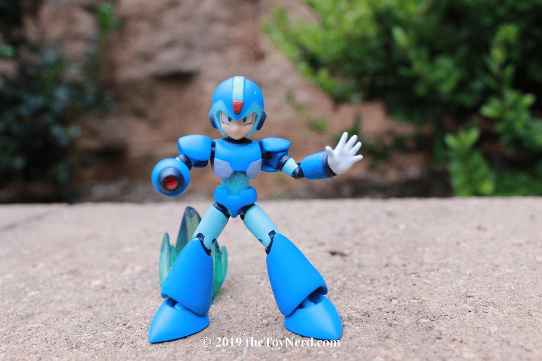Bandai 66mm Action Dash Mega Man Figure Review