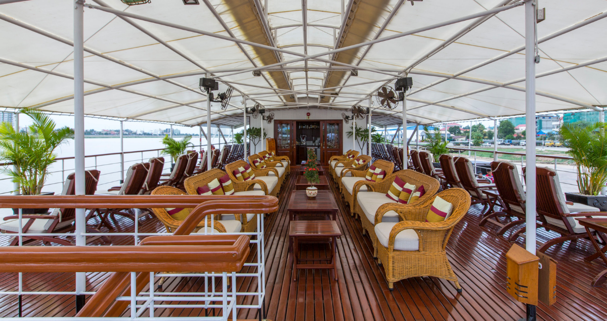 Pandaw cruise deck