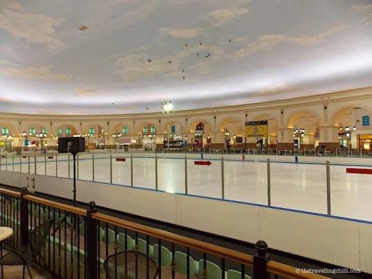 Ice Rink Gondolania Villaggio Mall