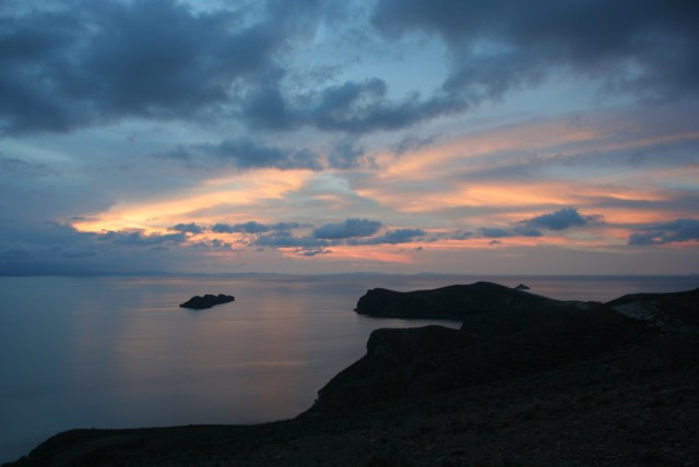 isla del sol sunset