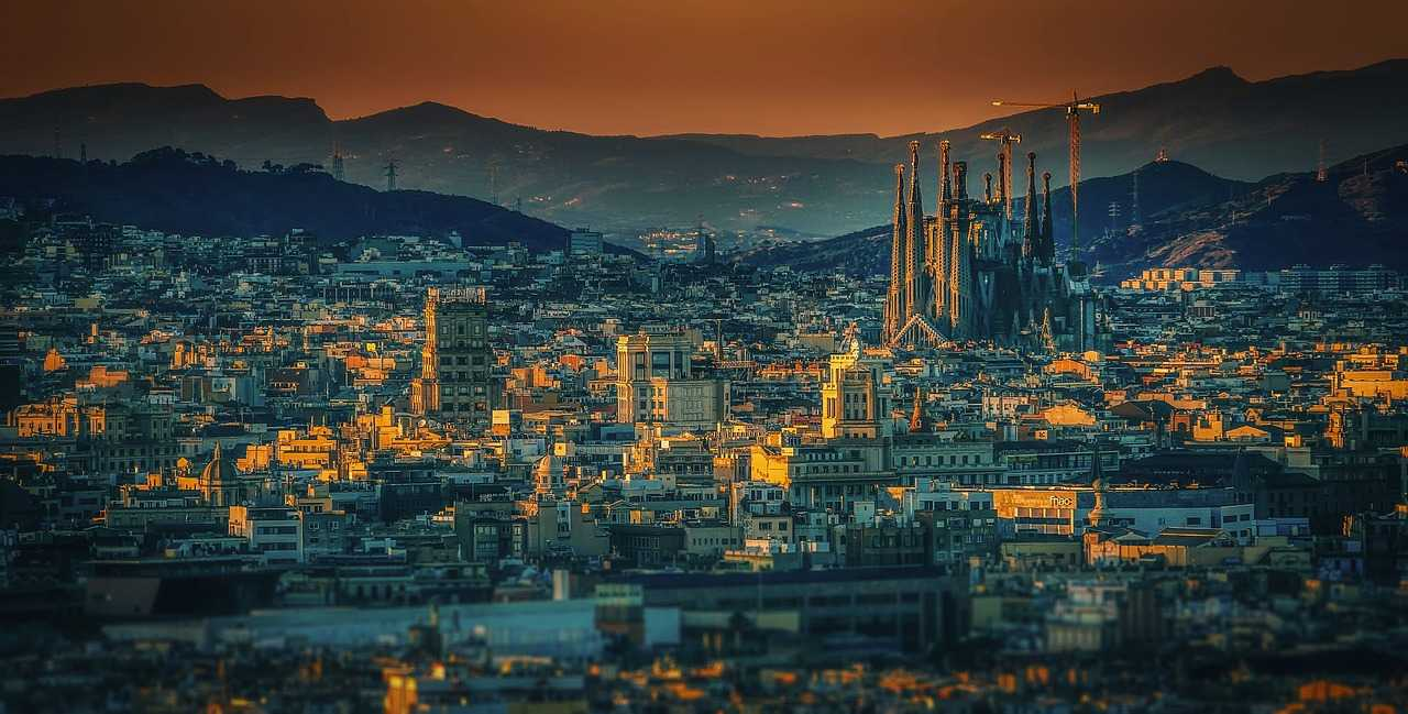 3 Days in Barcelona (Budget Itinerary + TIPS!)