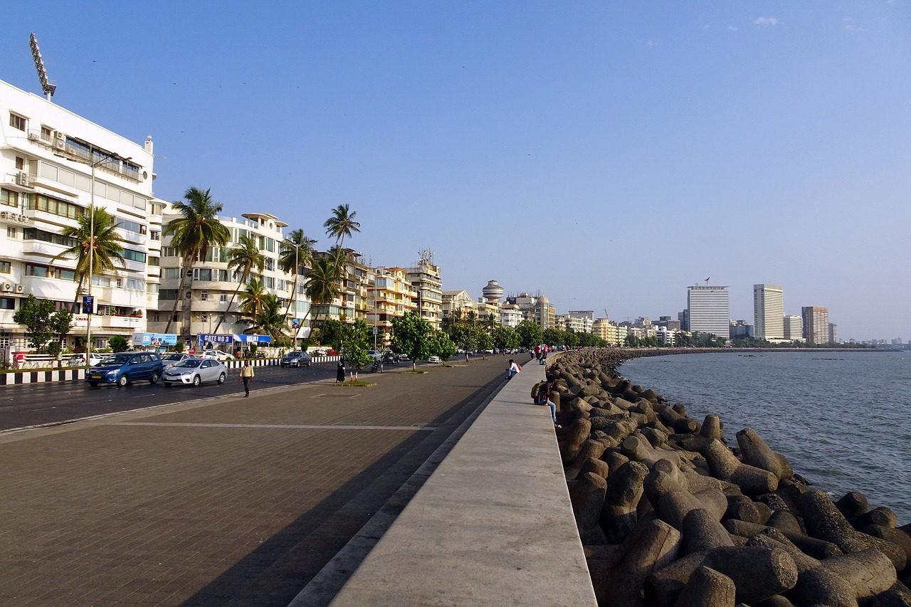Marine Drive, Mumbai  The Magical Mumbai (Bombay) – what is there to see Mumbai marine drive