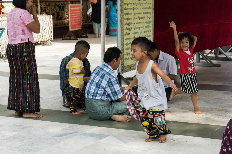 Kids at Shwedagon Pagoda
