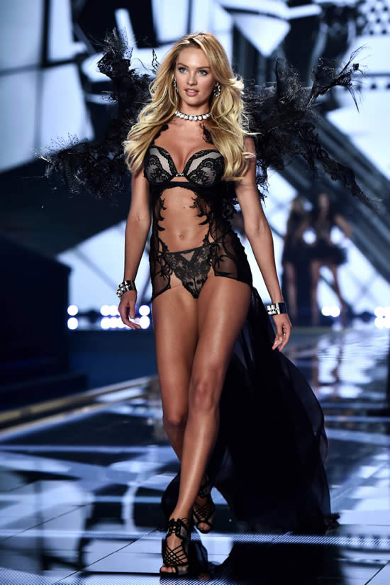 this_years_spectacular_2014_victorias_secret_fashion_show_was_occurred_in_london-3