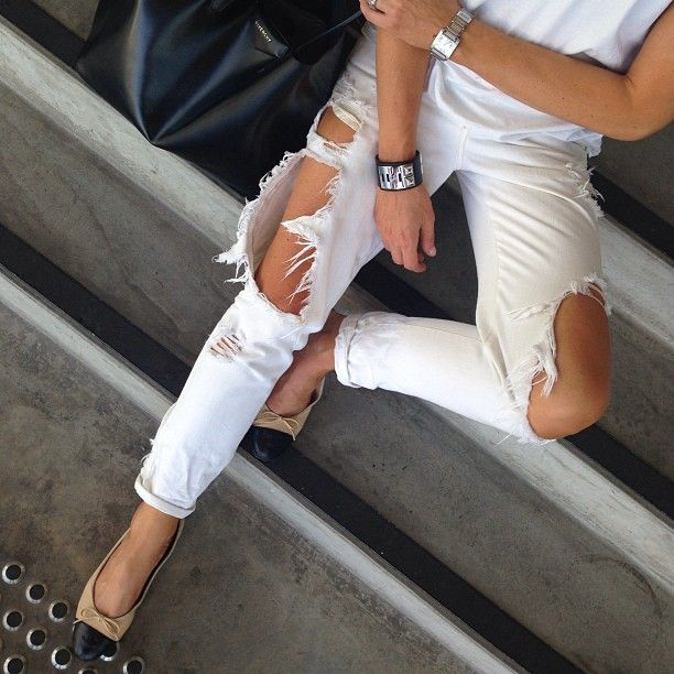 white destroyed jeans | The Trend Attendant