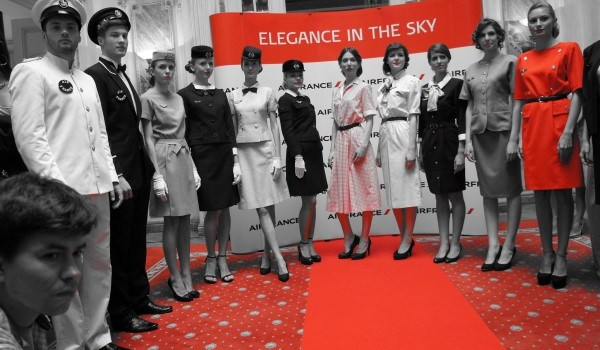 Fashion trends: 80 de ani de istorie în uniformele vintage Air France
