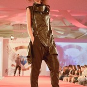 Vibratii progresive by Stefan Musca la Bucharest Fashion Week