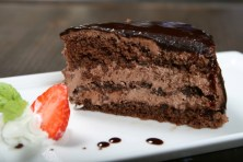 Red Angus Steakhouse_signature cake_low