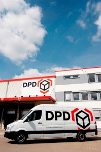 Delivery_vehicle_at_the_depot_1