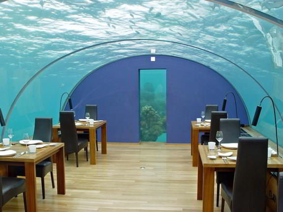 Ithaa Undersea Restaurant - Hilton Maldives Resort&Spa.