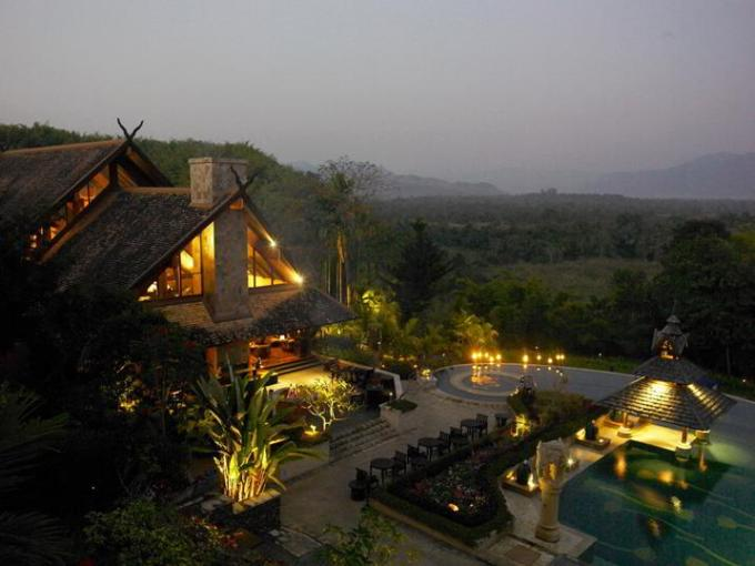 9.Anantara Golden Triangle Elephant Camp & Resort, Thailanda