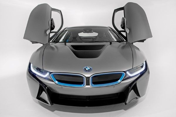 BMW_i8_Concours_dElegance_Edition_small_800x533 (4)