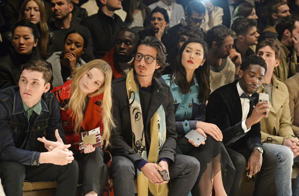 liu wen, al mustafa, tinie tempah, hannah dodd and andres hayward on the front row at the burberry prorsum autumn_winter 2015 show2