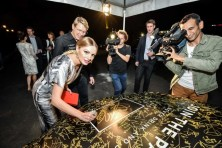 Alexandra Stan singning Join The Pact