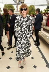 LONDON, ENGLAND - SEPTEMBER 21: Anna Wintour attend the Burberry Womenswear Spring/Summer 2016 show during London Fashion Week at Kensington Gardens on September 21, 2015 in London, England. (Photo by David M. Benett/Dave Benett/Getty Images for Burberry) *** Local Caption *** Anna Wintour