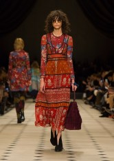 Burberry Womenswear Autumn_Winter 2015 Collection - Look 3