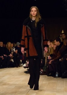 Burberry Womenswear Pre-Collection - Look 32
