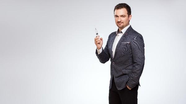 doctor Oltjon Cobani - medic specialist în chirurgie plastică
