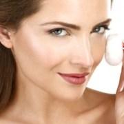 Beauty Trends: 5 erori pe care le faci în timpul demachierii