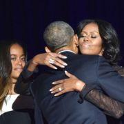Michelle Obama poartă bijuteriile create de românca Narcisa Pheres