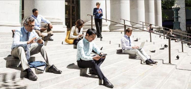 Cisco: Până în 2021, numărul utilizatorilor de telefoane mobile va fi mai mare decât al celor de conturi bancare