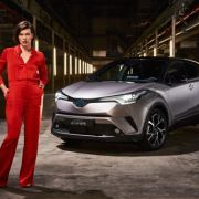 Milla Jovovich, imaginea noului model Toyota C-HR – GALERIE FOTO