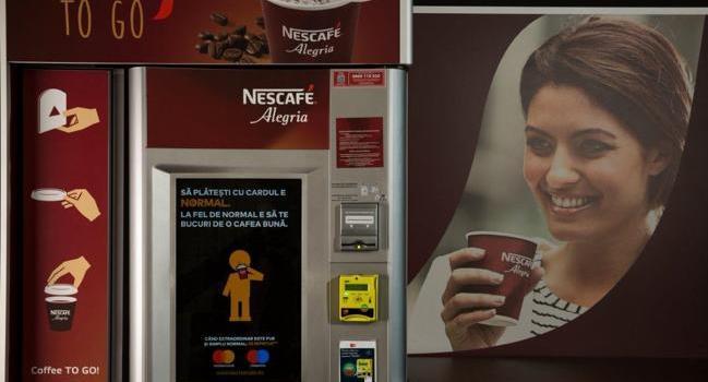 Cum îți cafea fără cash?Automatele NESCAFÉ Alegriaacceptă și card bancar!