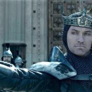 """,,King Arthur: Legenda Sabiei"""" se vede de azi la cinema în avanpremieră"""
