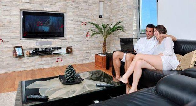 Eroii SUPERHÄFELE aduc mobilierul inteligent și modular la tine acasă