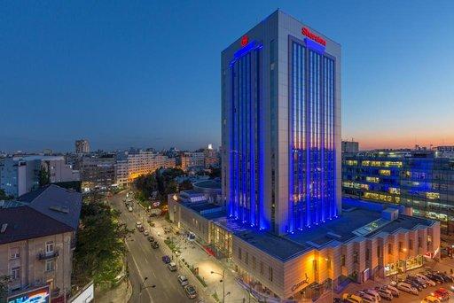 Sheraton,investițiiîntr-uncentru de relaxare, cofetăria Centro și extinderea parcării