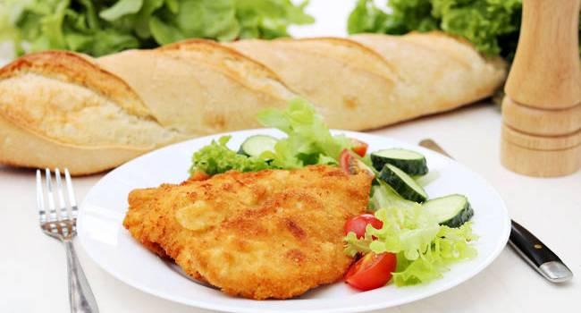 Studiu: Carnea de pui în topul preferințelor românilor. 7 din 10 persoane o utilizează săptămânal