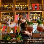 7 barmani din ECE se vor întrece în preparea de cocktailuri la Angostura Global Cocktail Challenge 2018