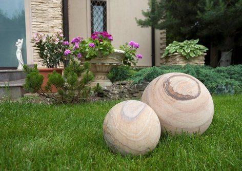 New Trends: Ornamente din piatră naturală pentru curtea ta