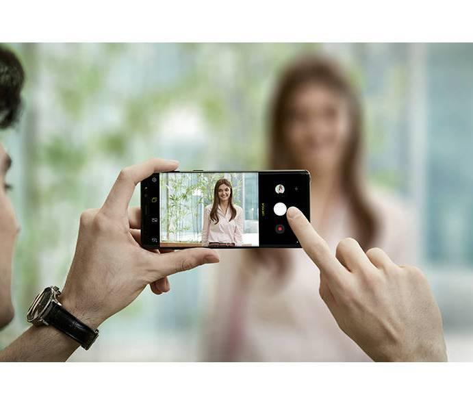 Telefoanele anului 2017: Samsung Galaxy Note 8 și Sony Xperia XZ1