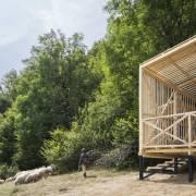 Măgura Zimbrilor și Munții Țarcu, admirați dintr-un observator unic în România