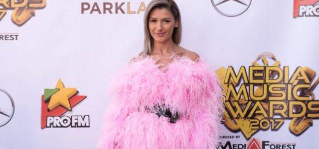 Fashion Trends: Cum s-au îmbrăcat artiștii la Media Music Awards 2017