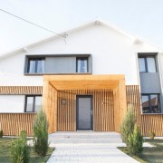 """Familia Ispilat a pășit cu bucurie în locuința renovată de echipa """"Visuri la cheie"""""""