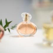 Inspiration Challenge by AVON: noi artiști, noi lucrări, o nouă colecție de parfumuri