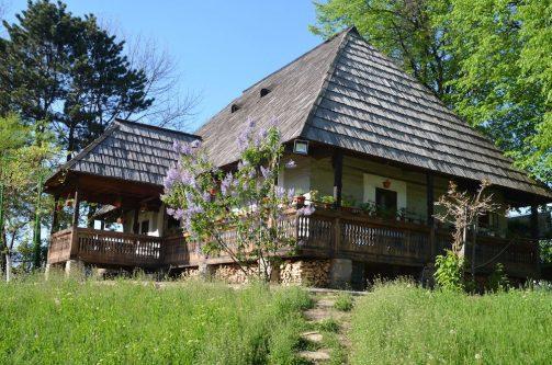 STUDIU: Bucovina, Transilvania și Valea Prahovei, pe lista românilor pentru vacanța de Paște!