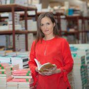 Infografic Libris.ro – Ce citesc românii?Top 10 cele mai vândute cărți!