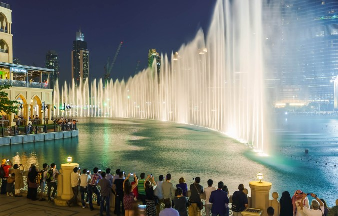 dubai fountain 23
