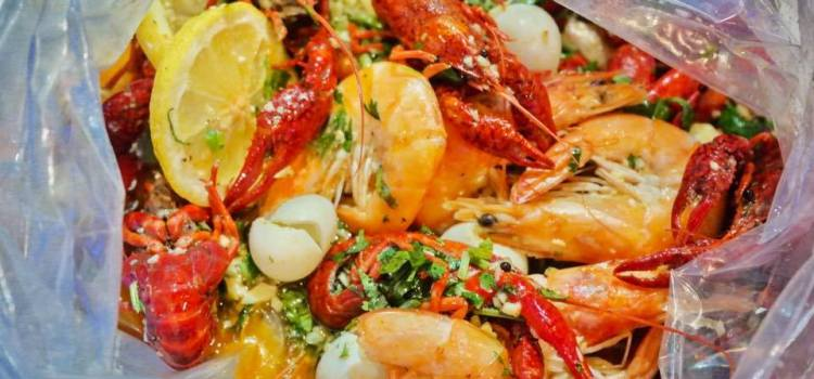 """Seafood Bag,din New Orleans la""""Scoici și Creveți"""" în București"""